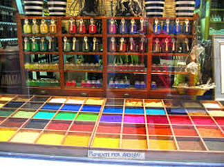 Pigment shop window Venice